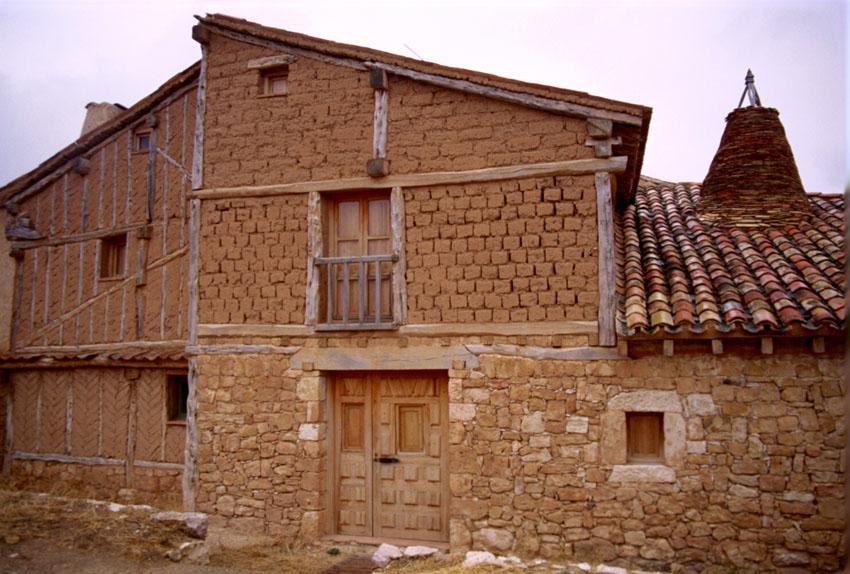 Casa pinariega de la Fundación Navapalos