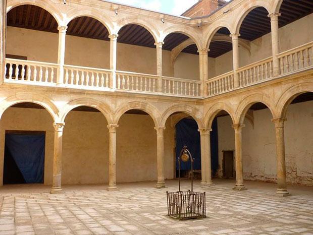 Palacio-de-los-Condes-de-Grajal-de-Campos-Leon